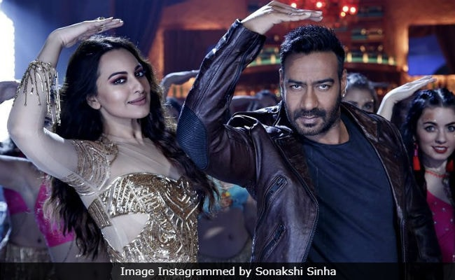 Total Dhamaal: Sonakshi Sinha And Ajay Devgn Recreate Helen's Iconic Song Mungda