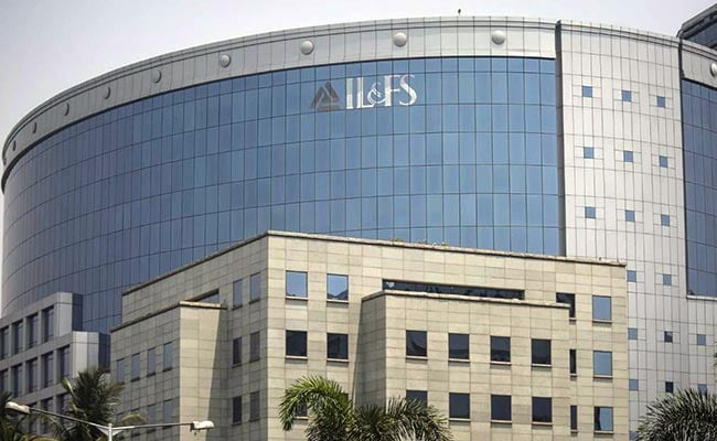 won t allow beleaguered il fs to collapse says life insurance