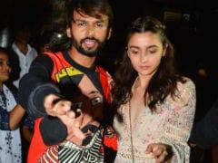 Alia Bhatt, Krishna Shroff And Pals Start The Party For Birthday Girl Akansha Ranjan