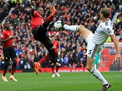 Alex Ferguson's Manchester United Return Spoiled As Wolves Earn 1-1 Draw