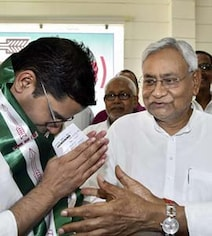 Nitish Kumar's Reveal On Party No 2 Prashant Kishor Involves Amit Shah