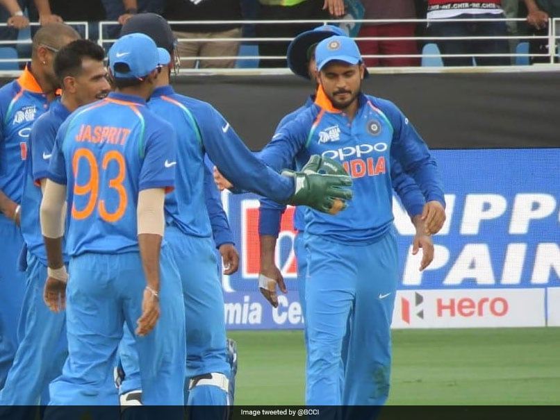 Watch: Fans Hail Manish Pandey For Astonishing Catch To Dismiss Sarfraz Ahmed