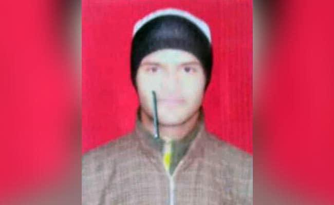 जम्मू-कश्मीर में विधायक के घर तैनात एसपीओ 7 AK-47 राइफल लेकर फरार, जांच शुरू