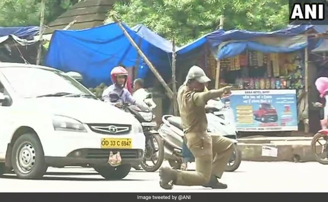 Watch: Odisha Cop Controls Traffic With His Dance Moves