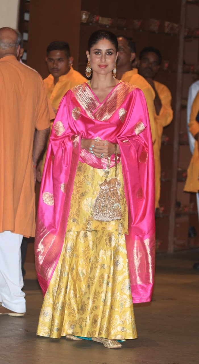 From Kareena Kapoor To Malaika Arora, 11 Fabulously Festive Celebrity Looks-6082