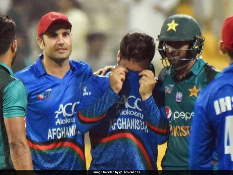 Watch: Pakistan Star Shoaib Malik Consoles Afghanistan Bowler After Dramatic Super Four Clash