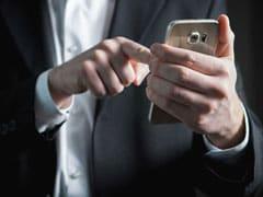 पैसे लेकर राजनीतिक दलों का ऑनलाइन प्रचार करने को तैयार बॉलीवुड स्टार, स्टिंग में खुलासा