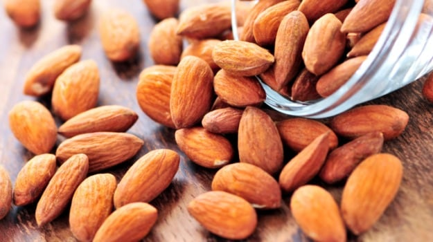 Eating almonds every day will keep your skin problems like dryness, wrinkles and ageing at bay​.
