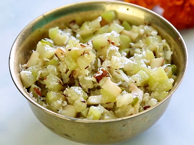 Video : How To Make Vrat Wali Lauki Ki Sabji At Home