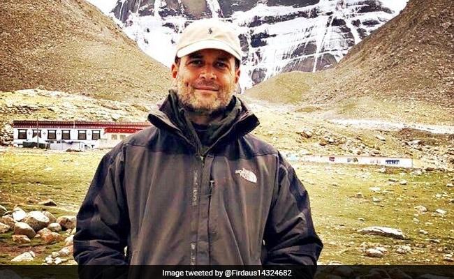 हाथों में छड़ी और चेहरे पर मुस्कान के साथ कैलाश यात्रा पर दिखे राहुल गांधी, देखिए सभी तस्वीरें और VIDEO