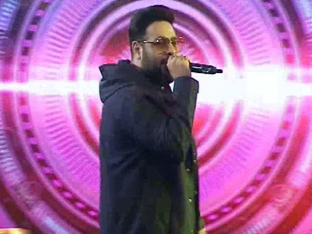 Video : Rapper Badshah Performs His Hit Song <i>Tareefan</i>