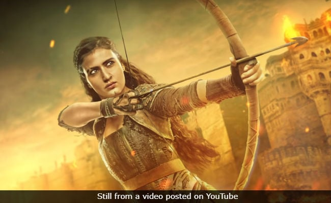 Thugs Of Hindostan Motion Poster: Aamir Khan Issues A Warning About 'Warrior Thug' Zafira - Fatima Sana Shaikh