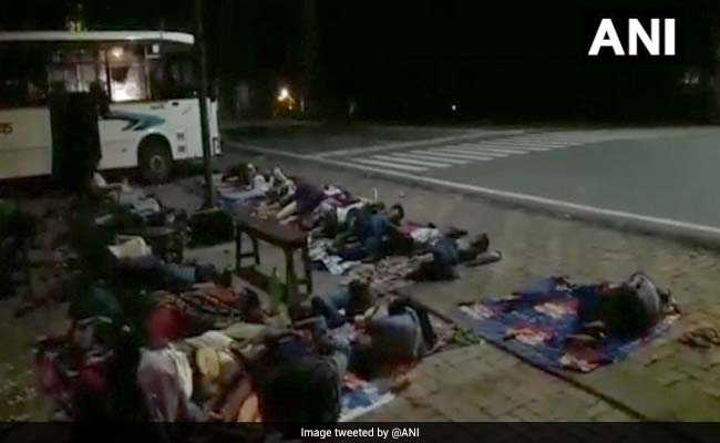 Bihar Students, On Picnic, Made To Sleep On Road After Bus Breaks Down