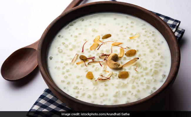 Chaitra Navratri 2021: Easy Tips To Make Perfect Sabudana Kheer Without Making It Mushy - Watch Video