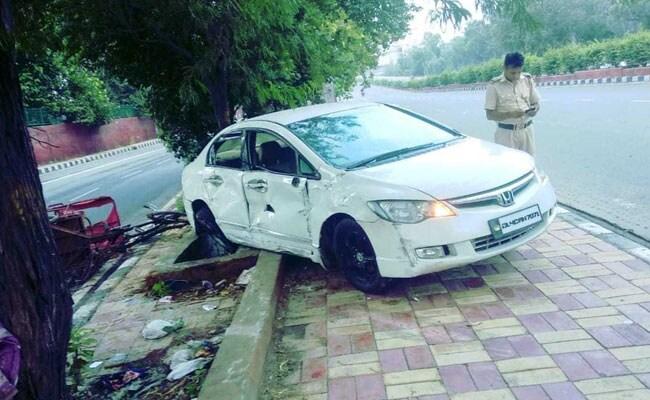 उत्तर प्रदेश: सड़क दुर्घटना में भाजपा नेता आशा सिंह की मौत, भाई भी गंभीर रूप से घायल