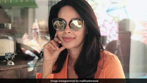 Mallika Sherawat's Vegan Salad Will Inspire You To Eat Clean This Weekend!