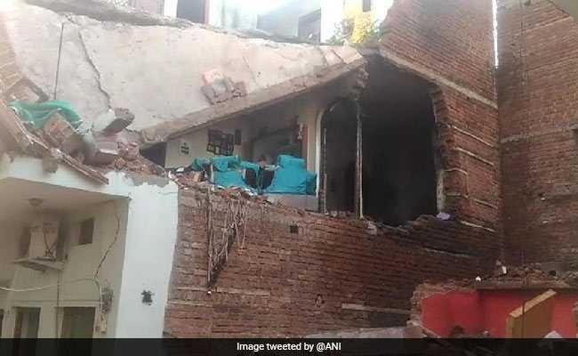 मध्य प्रदेश : ग्वालियर में फ्रिज के कंप्रेसर में जबरदस्त विस्फोट, दीवार ढहने से  4 की मौत, 2 घायल