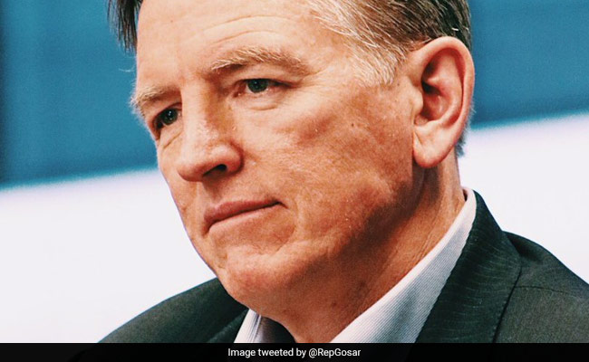 Republican Paul Gosar's own siblings star in Democrat campaign ad