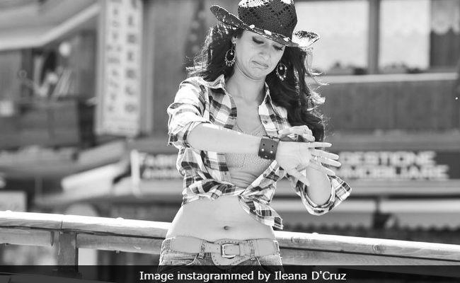 Ileana D'Cruz, Interrupted, Shares Funny Photoshoot Fail. See Here