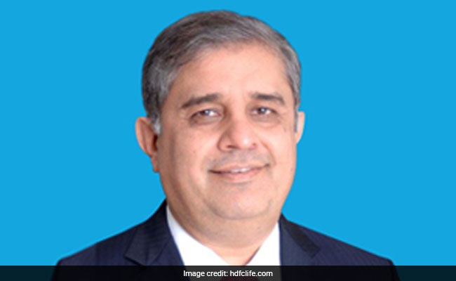 HDFC Life's Amitabh Chaudhry To Head Axis Bank From January 1