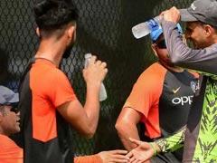 Asia Cup 2018: वसीम अकरम ने शोएब मलिक की भारत के इस दिग्गज खिलाड़ी से की तुलना...
