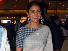 After Kangana Ranaut, Anushka Sharma Stuns In A <i>Saree</i> At The Airport