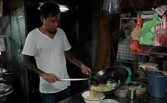 Taiwan Ex-Gangster Turns Chef, Serves Noodles To The Needy