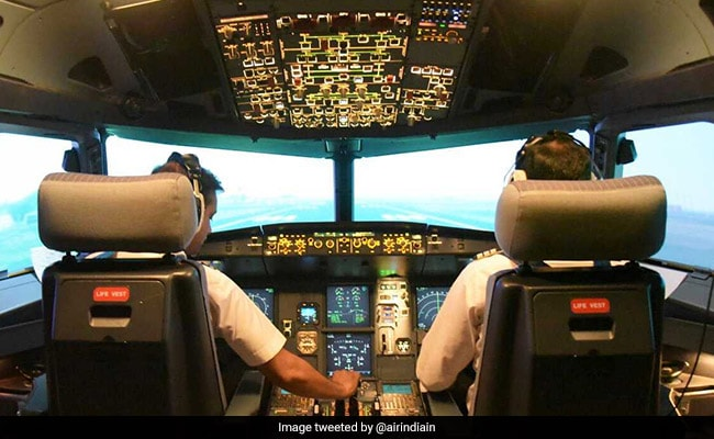 Now, Off-Duty Pilots, Cabin Crew Can Travel In Plane's Cockpit Jump Seat
