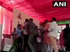 BJP Left Red-Faced As Leaders Fight At Vasundhara Raje Rally