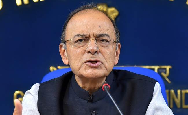 अर्थव्यवस्था की समीक्षा के बाद वित्त मंत्री अरुण जेटली ने कहा- राजकोषीय घाटे के लक्ष्य पर सरकार अडिग