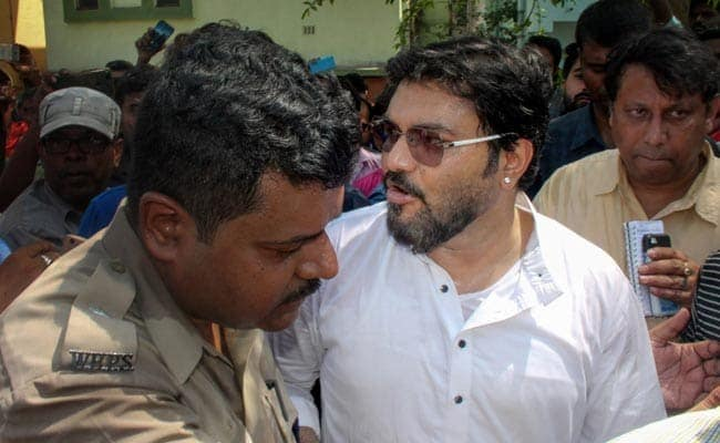 Babul Supriyo Says Vehicles Of His Security Personnel Attacked In Bengal