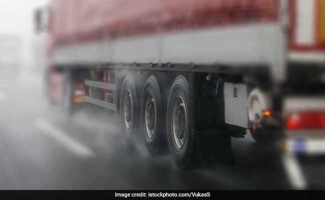 Goods Vehicles With 20 Or More Wheels To Be Banned In Kolkata Port Area