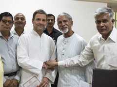 सरकार से नाखुशपैरामिलेट्री बलों के रिटायर जवानों ने थामा राहुल गांधी का दामन
