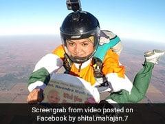 PM Narendra Modi को बर्थडे विश करने के लिए लड़की ने 13 हजार फुट से लगाई छलांग, देखें VIDEO