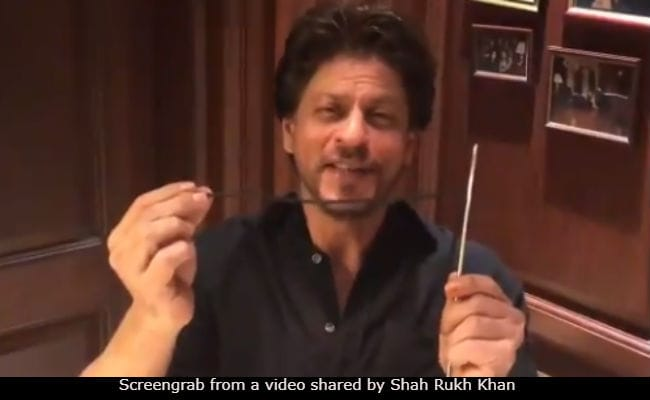 Shah Rukh Khan Sets The Sui Dhaaga Challenge Record Like A Boss. Beat This, Bollywood