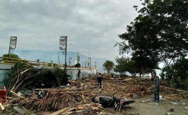 Earthquake Triggered By Tsunami Strikes Central Indonesia, Several Dead