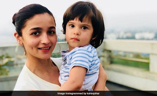 Alia Bhatt Spends Time With Karan Johar's Twins Yash And Roohi. See Pics