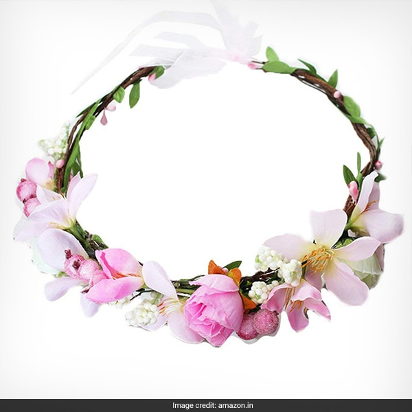 Loved Neha Dhupia s Flower Crown  Then Here Are 4 More You d Like 0945542067e