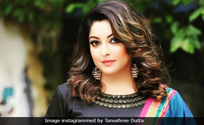Video Of Tanushree Dutta's Car Being Attacked, Allegedly In 2008, Goes Viral