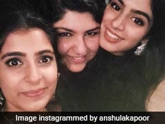 Khushi And Anshula Kapoor's 'Sisters Before Misters' Pic Gets Whole Lotta Love