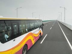 As China Opens World's Longest Bridge, Excited Travelers Explore Route