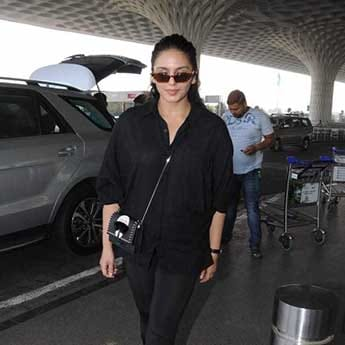 Get Huma Qureshi's All Black Airport Look