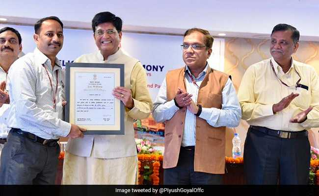 """Railway Staff Rewarded For """"Oustanding Work"""" In Preventing Accidents, Safety"""