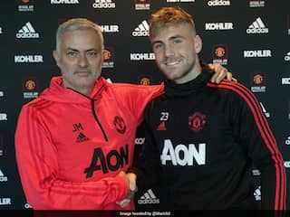 Englands Luke Shaw Extends Manchester United Contract To 2023