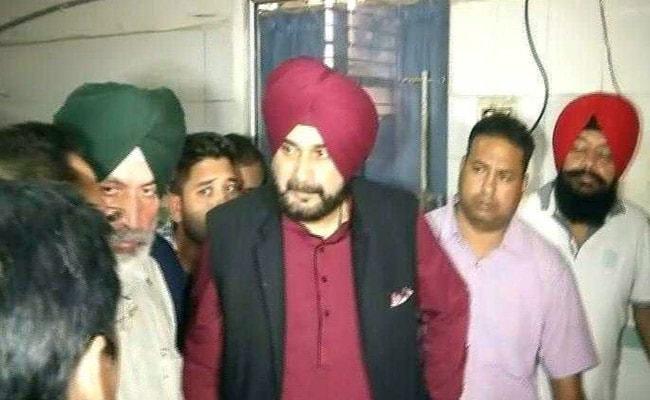 अमृतसर रेल हादसा : नवजोत सिंह सिद्धू ने घटना को बताया 'कुदरत का कहर', कहा- यह परमात्मा का प्रकोप, देखें- VIDEO
