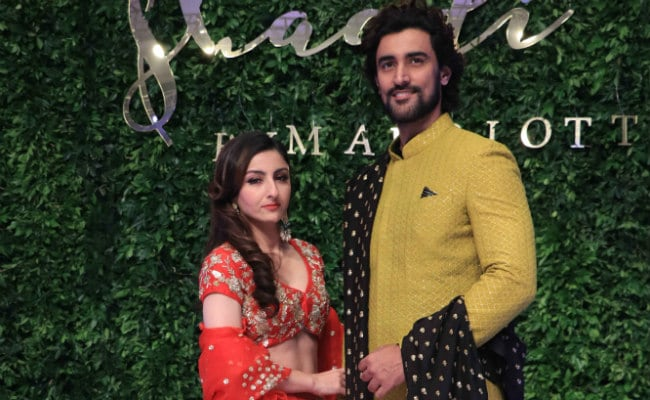 Soha Ali Khan's Pic With Kunal Kapoor Will Refresh Your Rang De Basanti Memories