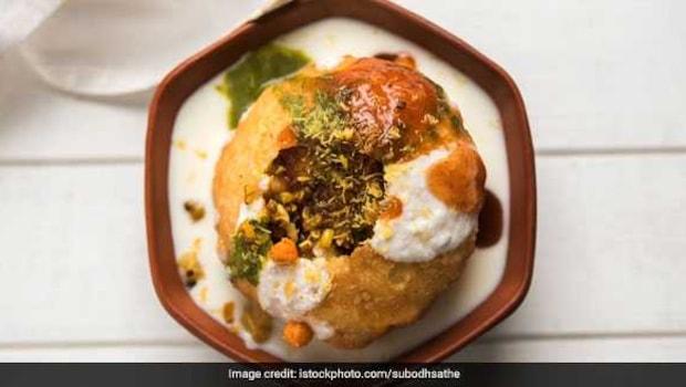 Move Over Dal Kachori, Make This Moth Kachori For Delicious Snack