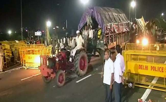 After Midnight March In Delhi, Farmers Call Off Protest