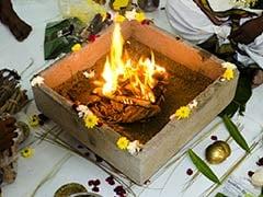 Chandi Homa Havan: कन्या पूजन के बाद जरूर कराना चाहिए 'चंडी होमम हवन', जानिए शुभ मुहूर्त, विधि और मंत्र
