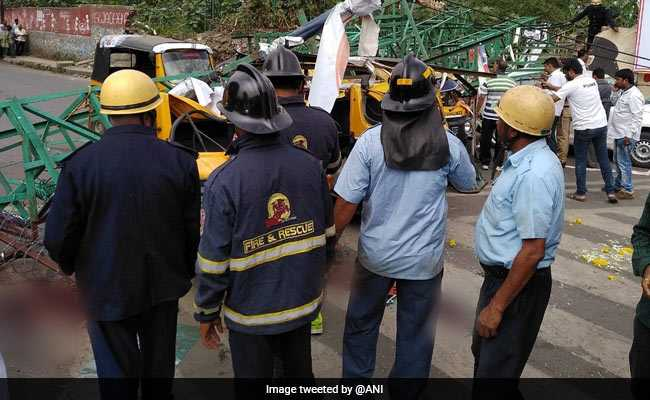 3 Killed, 5 Injured As 40-Feet Hoarding Falls On Vehicles In Pune